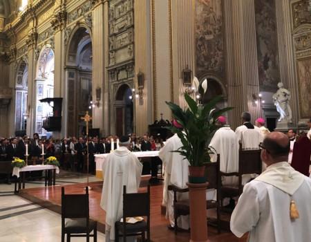 Em Roma, fiéis rezam na primeira missa em honra à Santa Dulce