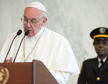 Papa: a fome no mundo é um escândalo e um crime contra os direitos humanos