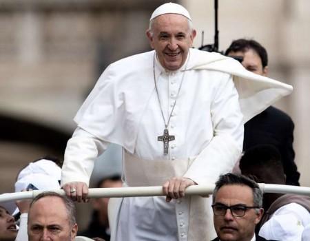 """Papa anima participação na iniciativa """"Um milhão de crianças rezam o terço pela paz"""""""