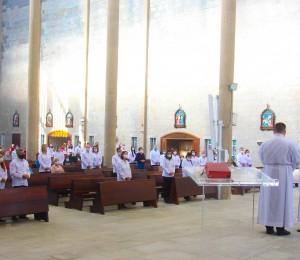 Paróquia São Luís Gonzaga envia 186 leigos como ministros extraordinários da Sagrada Comunhão