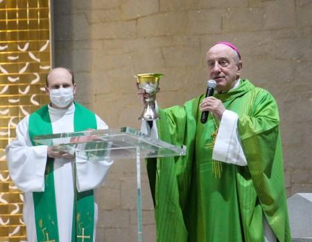Paróquia São Luís Gonzaga celebra 148 anos e recebe relíquia de São João Paulo II de presente