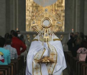 Solenidade em honra ao Corpo de Cristo é celebrada na Paróquia São Luís Gonzaga
