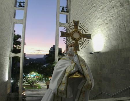 Paróquia São Luís Gonzaga encerra a Semana Santa com missa de Páscoa
