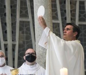 Missa solene comemora 116 anos de presença dehoniana